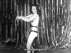 Krása, Vintage, Sex na veřejnosti